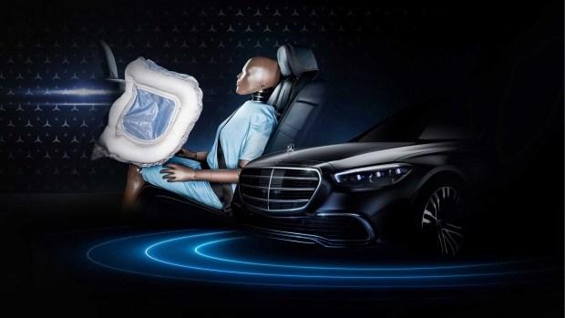 Первые задние подушки безопасности появятся 2 сентября- журнал За рулем
