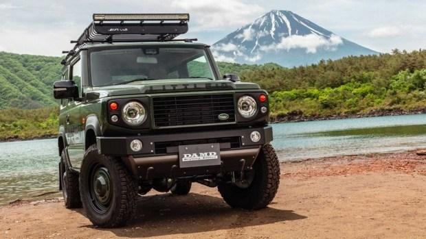 Старый и надежный Defender от Suzuki