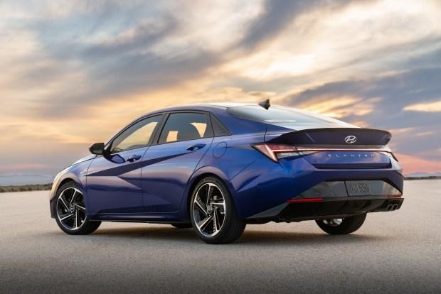 Hyundai Elantra N Line: мощный мотор, подвеска и визуальные штрихи