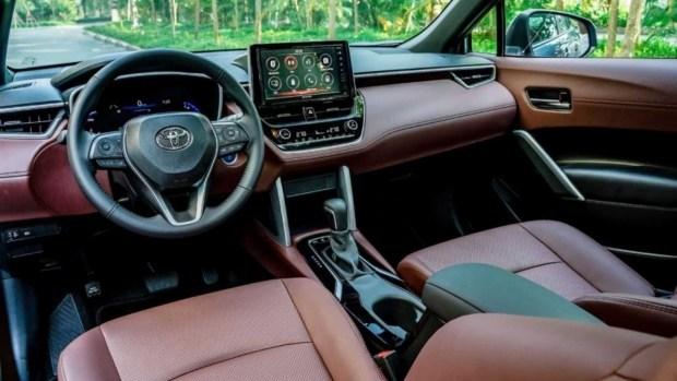 Toyota представила доработанный кроссовер Corolla Cross