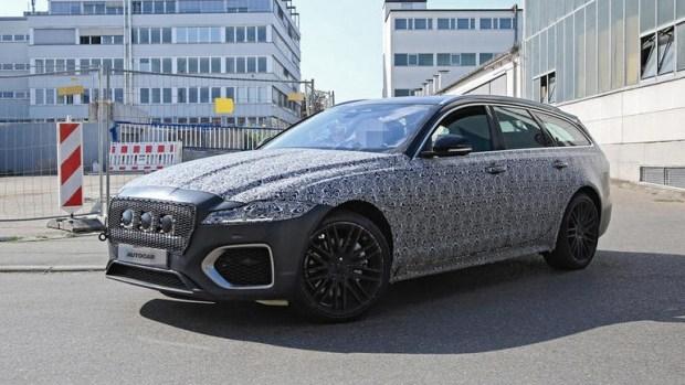 Кошка ждет обновление: на тестах замечен Jaguar XF Sportbrake