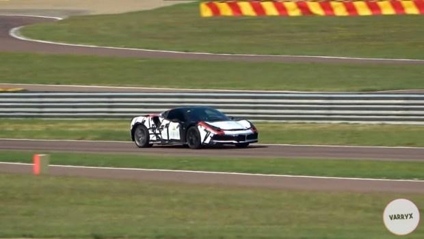 Ferrari тестирует новый гибрид (видео)