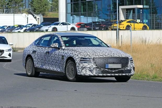 Hyundai показала нового соперника BMW 3 Series от Genesis