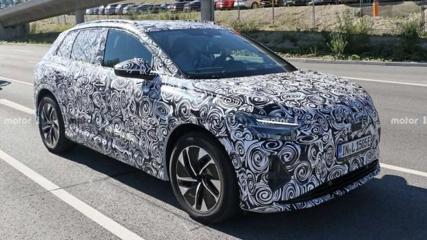 Audi тестирует сразу два новых Q4 e-tron