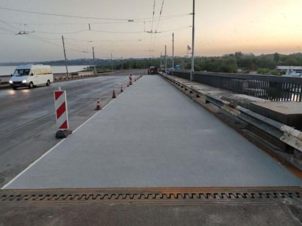 Ингульский мост в Николаеве покрывают лаком