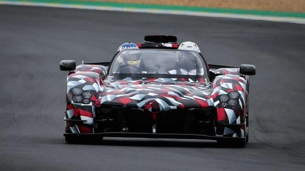 Toyota поконкурирует с Koeninsegg