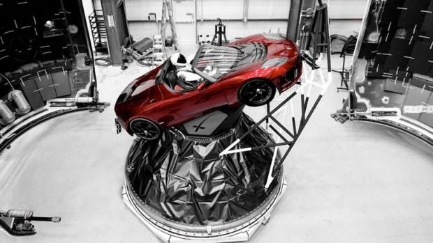 Tesla Roadster планирует стать рекордсменом Нюрбургринга