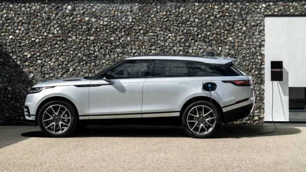 Range Rover обновил кроссовер Velar