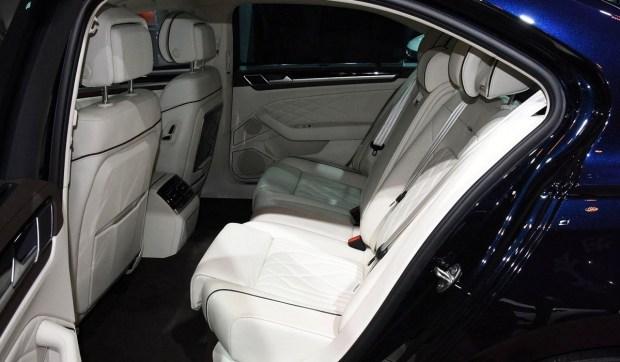 Volkswagen обновил седан Phideon