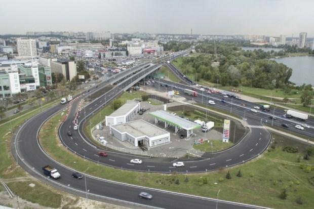 В Киеве на Оболони открыли проезд по двум обновленным путепроводам (фото)