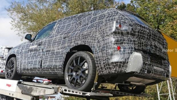 BMW катает свой новый флагман X8