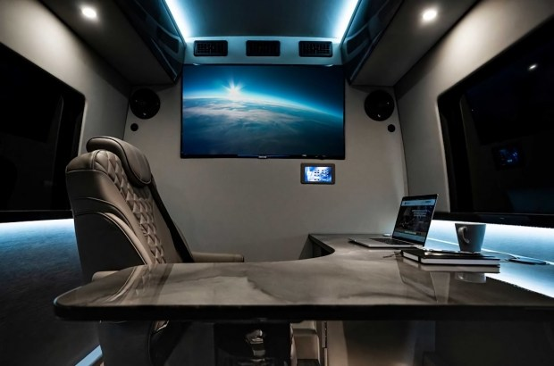 Inkas показал роскошный офис на колесах