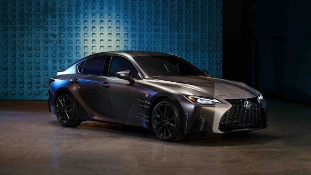 Lexus IS больше не автомобиль...
