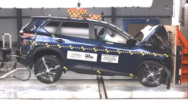 Краш-тест Nissan Rogue: кроссовер не впечатлил экспертов