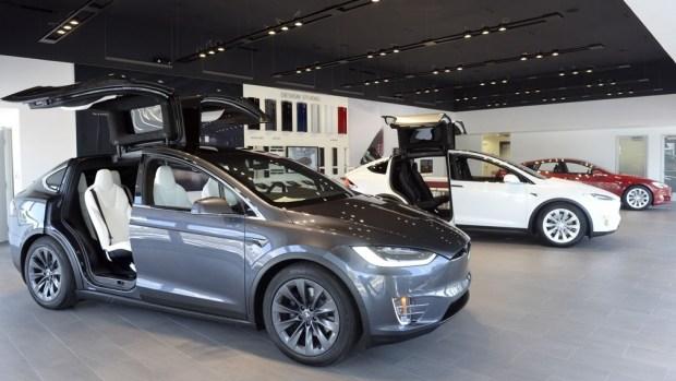 Американская Tesla теряет позиции на ключевых рынках из-за ужесточения конкуренции