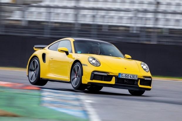Porsche знает как продавать авто с ДВС даже после их запрета