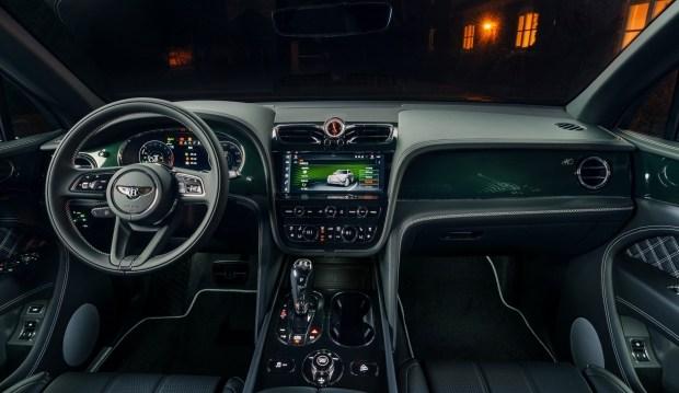 Кроссовер Bentley Bentayga Hybrid зазеленел в ателье Mulliner