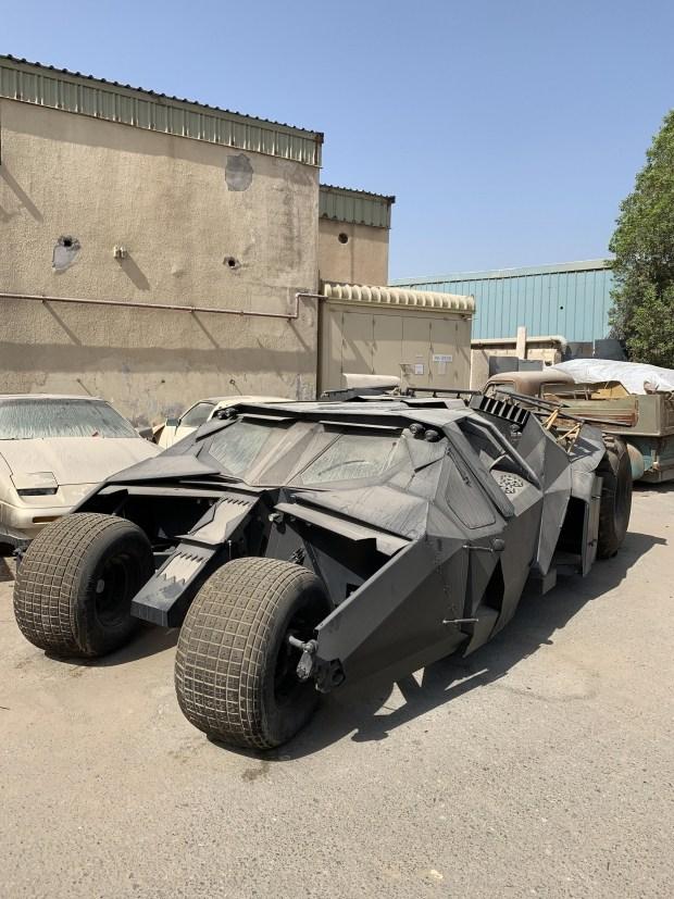 Бэтмен в бегах: в Дубае обнаружили брошенный «Бэтмобиль»