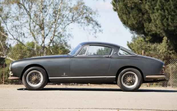 Иногда лучше просто стоять: первый GT Ferrari оценили в 2,5 млн долларов