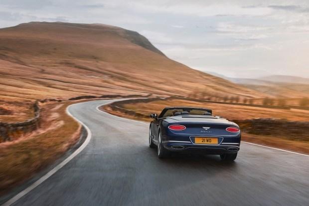 Новый Continental GT Speed «сорвало» крышу