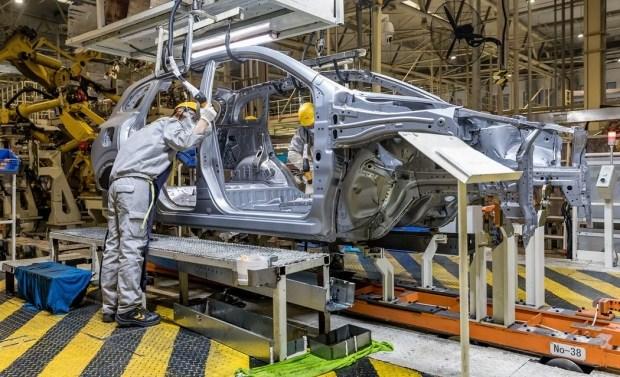 Renault сокращает производство