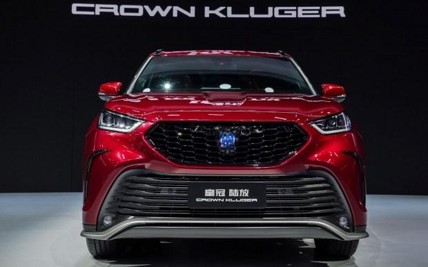 Toyota представила первый Crown SUV