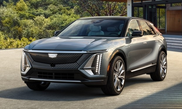 Cadillac показал как выглядит серийный электрокар Lyriq