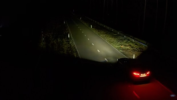 Ford Night Driving Headlights: когда ночь станет днём (видео)