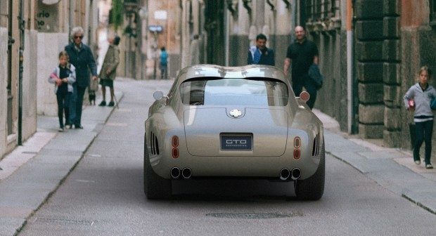 Squalo V12: Ferrari из Британии