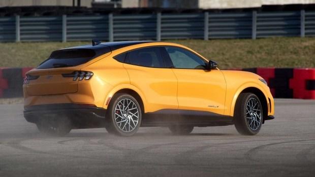 Самый быстрый Mustang Mach-E: сколько стоит?