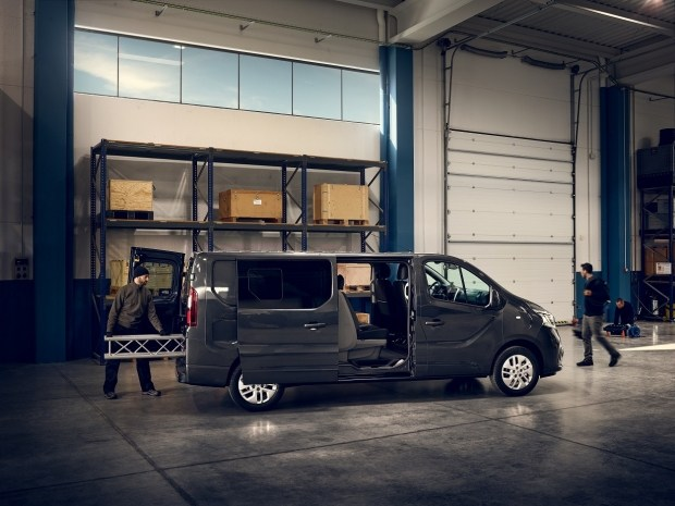 Фургон Renault Trafic: еталонний урбаністичний фургон