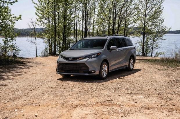 Toyota Sienna станет ближе к природе