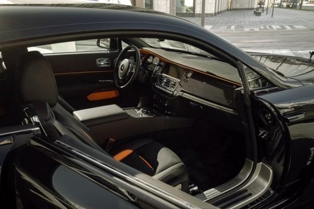 Wraith Black Badge: Rolls-Royce, который «ел» после шести