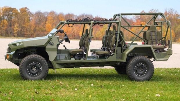 GM представила электрокар для армии США