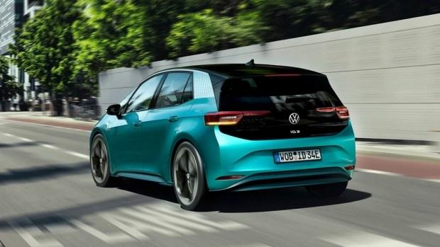 Переобулись в прыжке: VW за жесткие нормы выбросов CO2