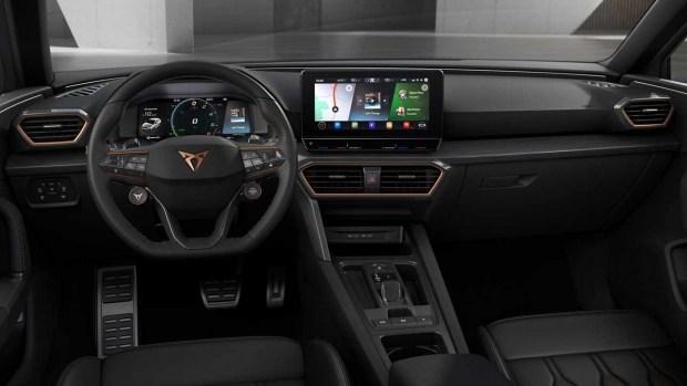Cupra Leon превратился в Golf GTI