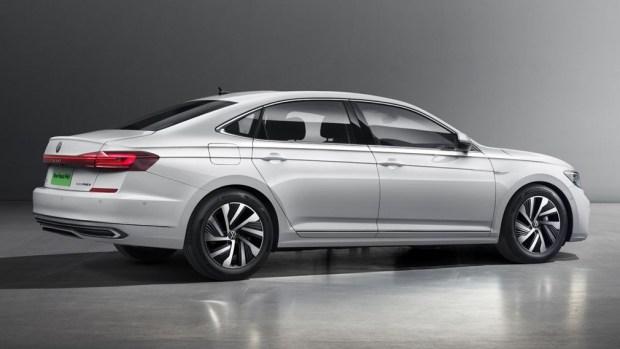 VW обновил свой особенный Passat