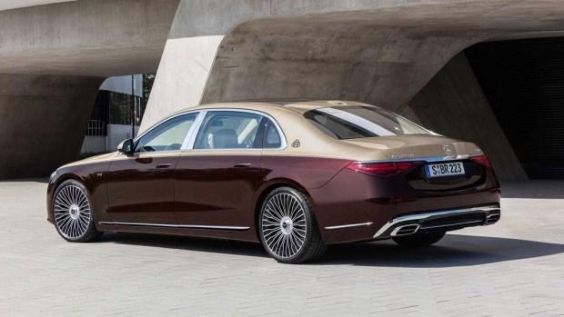 Mercedes представил правильный Maybach с V12