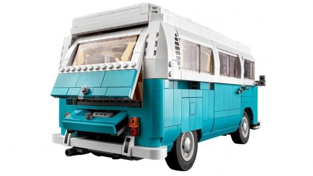 Культовый кемпер VW T2 который можно собрать не вставая с кровати