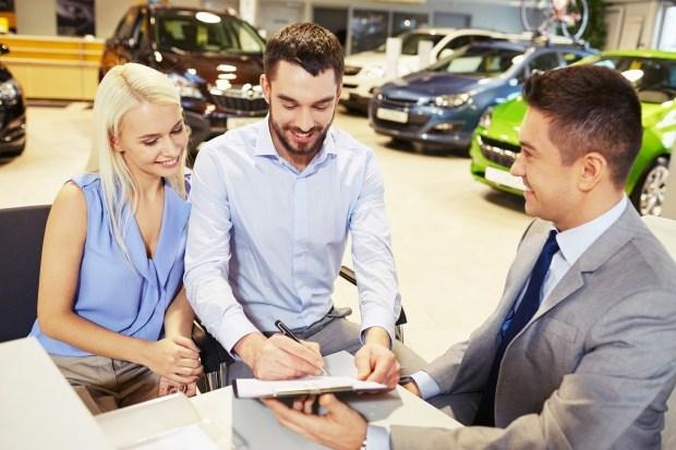 АІС пропонує купити АВТО З ПРОБІГОМ в кредит без початкового внеску, застави та додаткових платежів!