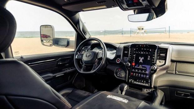 4 колеса хорошо, а 6 лучше: Ram 1500 TRX от Hennessey