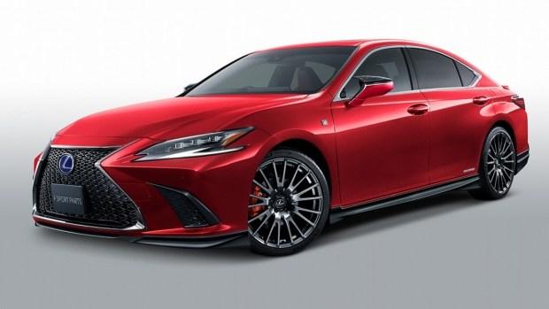 Обновленный Lexus ES получил внедорожную версию?