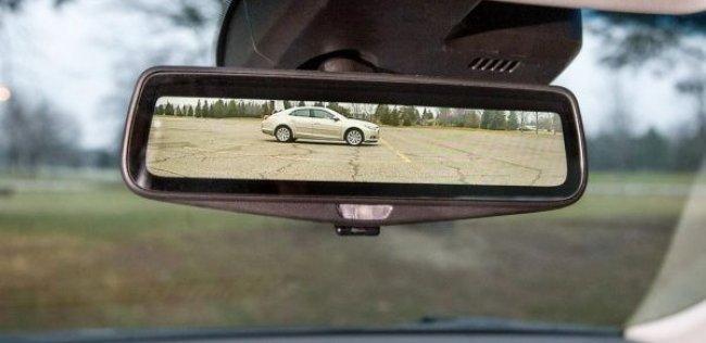 Cadillac рассказал о видеозеркале заднего вида