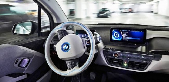 BMW подготовит серийные машины с автопилотом к 2020 году